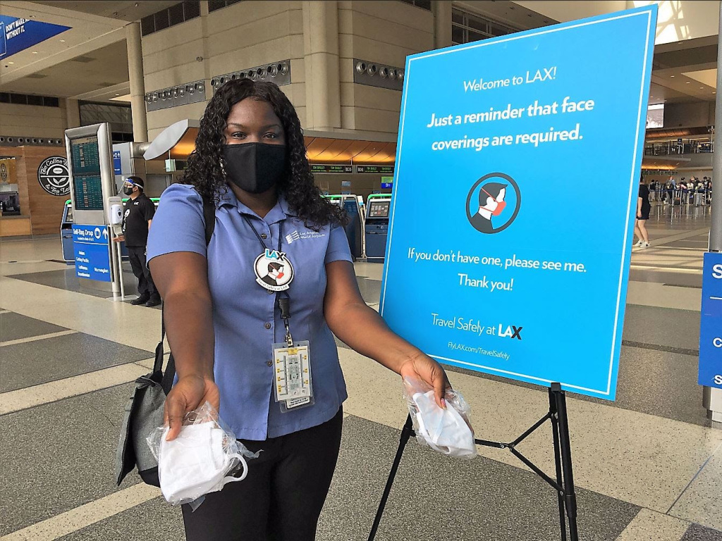 Coronavirus: L.A. County nears 2,000 hospitalizations, issues plea to follow safer-at-home order