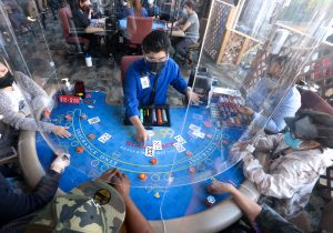 LA County's card rooms deal final hands before shutting down again amid coronavirus restrictions