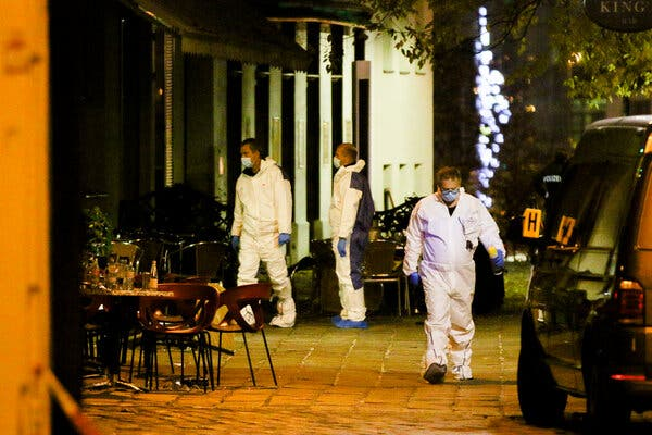 Vienna Shooting Live Updates: 4 Dead in Attack by 'ISIS Sympathizer'