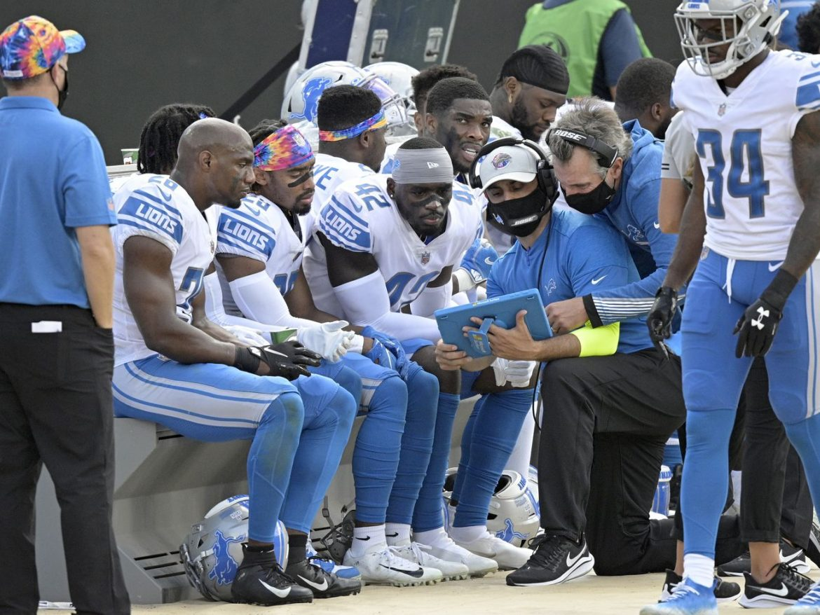 NFL makes changes to sideline to discourage coronavirus spread