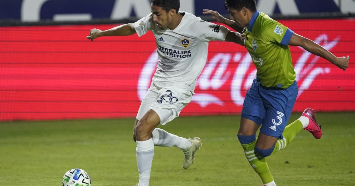 Galaxy announce their roster decisions; LAFC keeps quiet