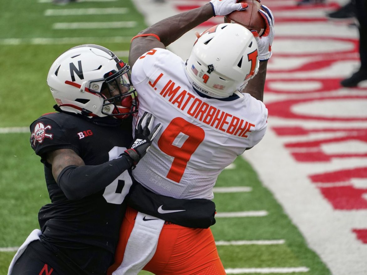 Illini win 2nd straight, rout turnover-plagued Cornhuskers
