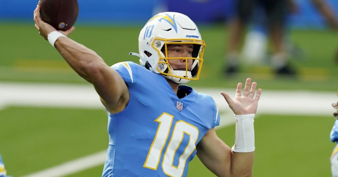 Justin Herbert continues record pace, but Chargers need more
