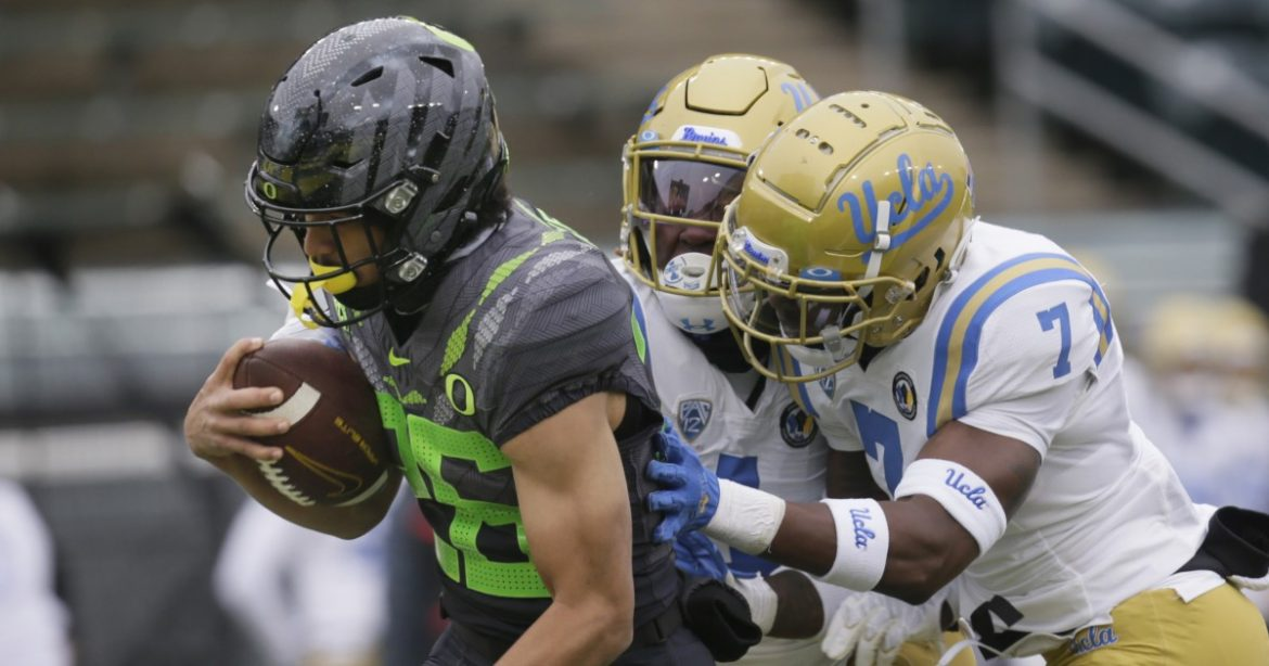 UCLA's bid for a storybook ending falls short in loss to No. 11 Oregon