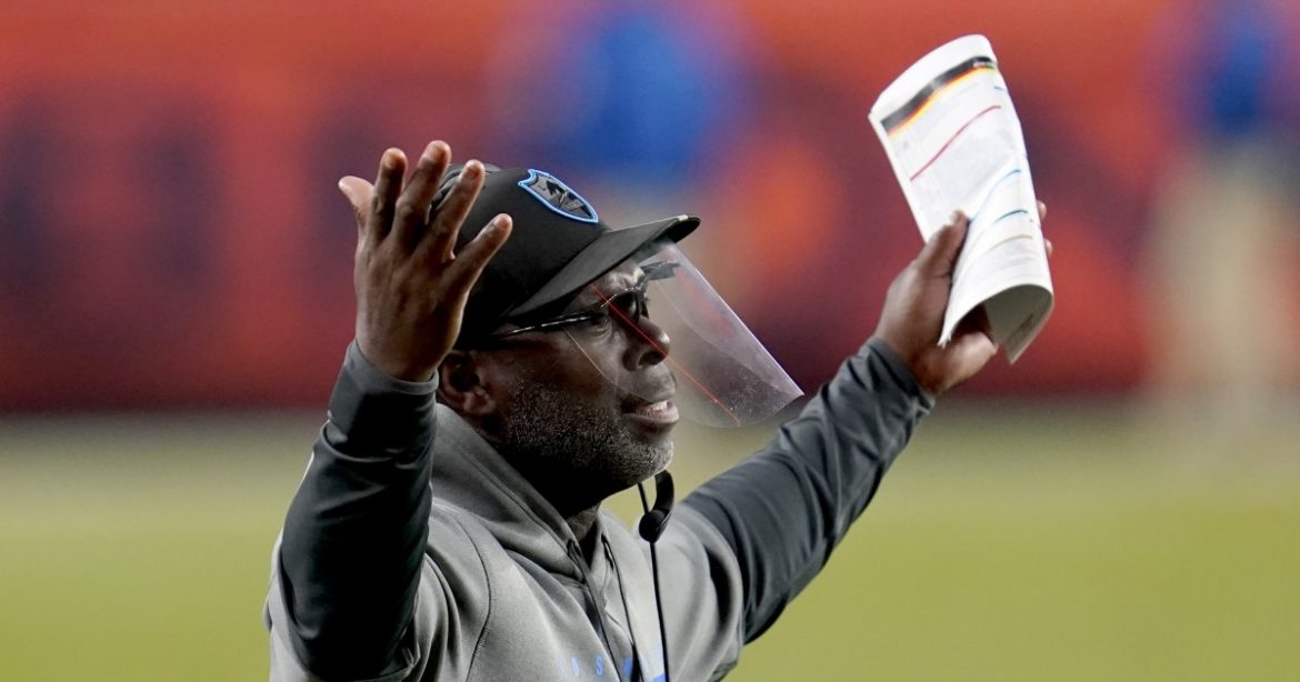 Column: Chargers need to decide if Anthony Lynn is the coach they need