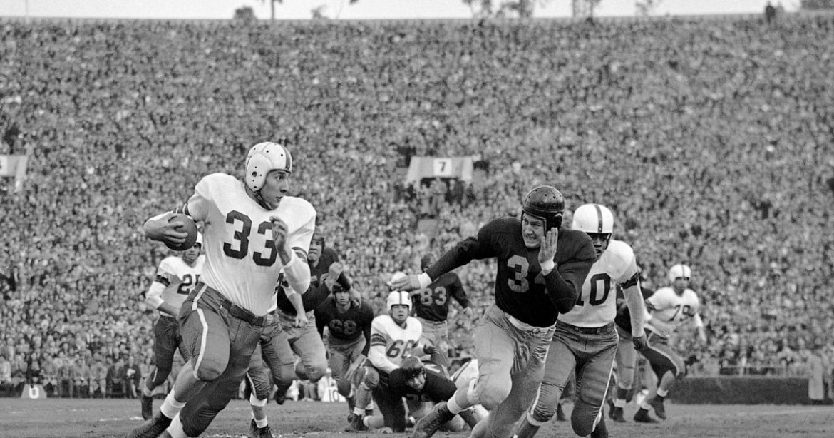 Fred 'Curly' Morrison, a two-time NFL champ and MVP of the 1950 Rose Bowl, dies at 93