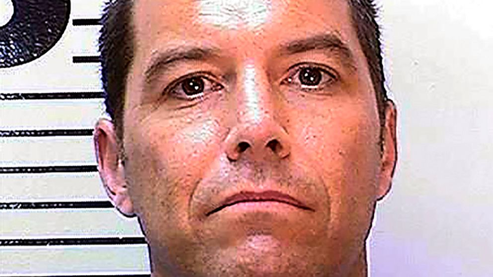 Scott Peterson to stay at San Quentin as judge mulls retrial