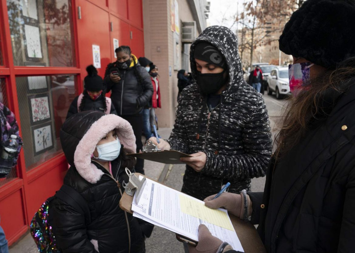 Students return to NYC schools once more after virus closure