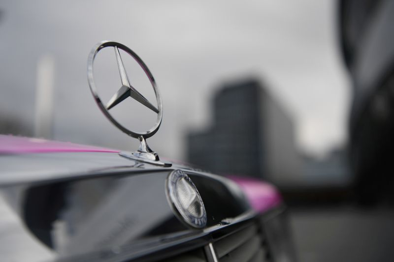 Mercedes Benz ends luxury car prodution in Brazil, shutting down small plant