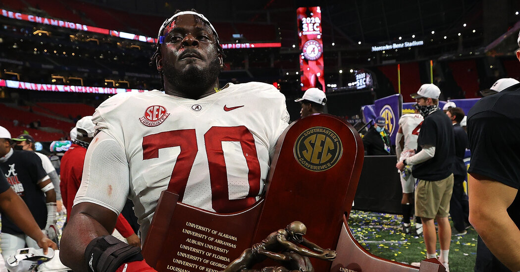 Alabama Leads Rankings as College Football Playoff Field Is Set
