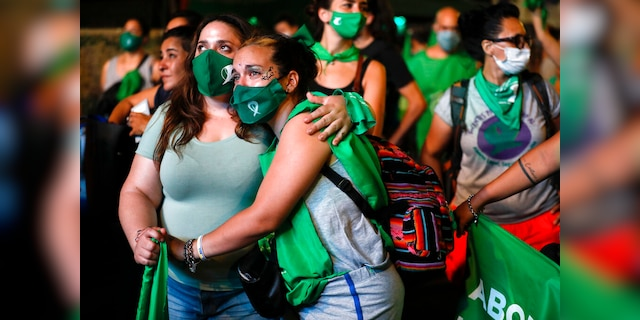 Bill legalizing abortion passed in Argentina, largest Latin American to legalize procedure