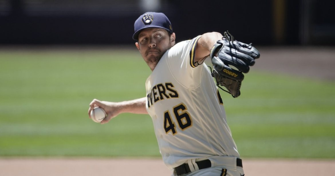 Dodgers acquire Corey Knebel, offer contracts to all arbitration-eligible players