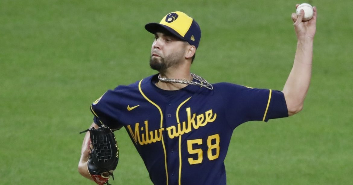 Reliever Álex Claudio agrees to one-year, $1.125-million deal with Angels