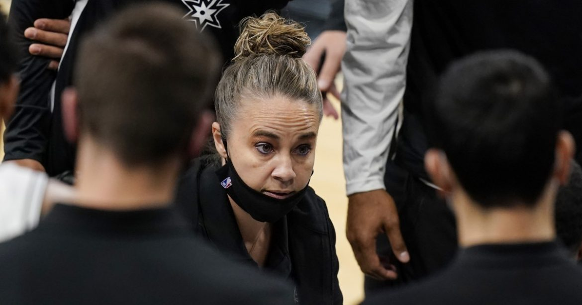 Spurs' Becky Hammon becomes first woman to direct as head coach during NBA game