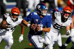 Can the Giants' Tenuous Grasp of the N.F.C. East Hold?