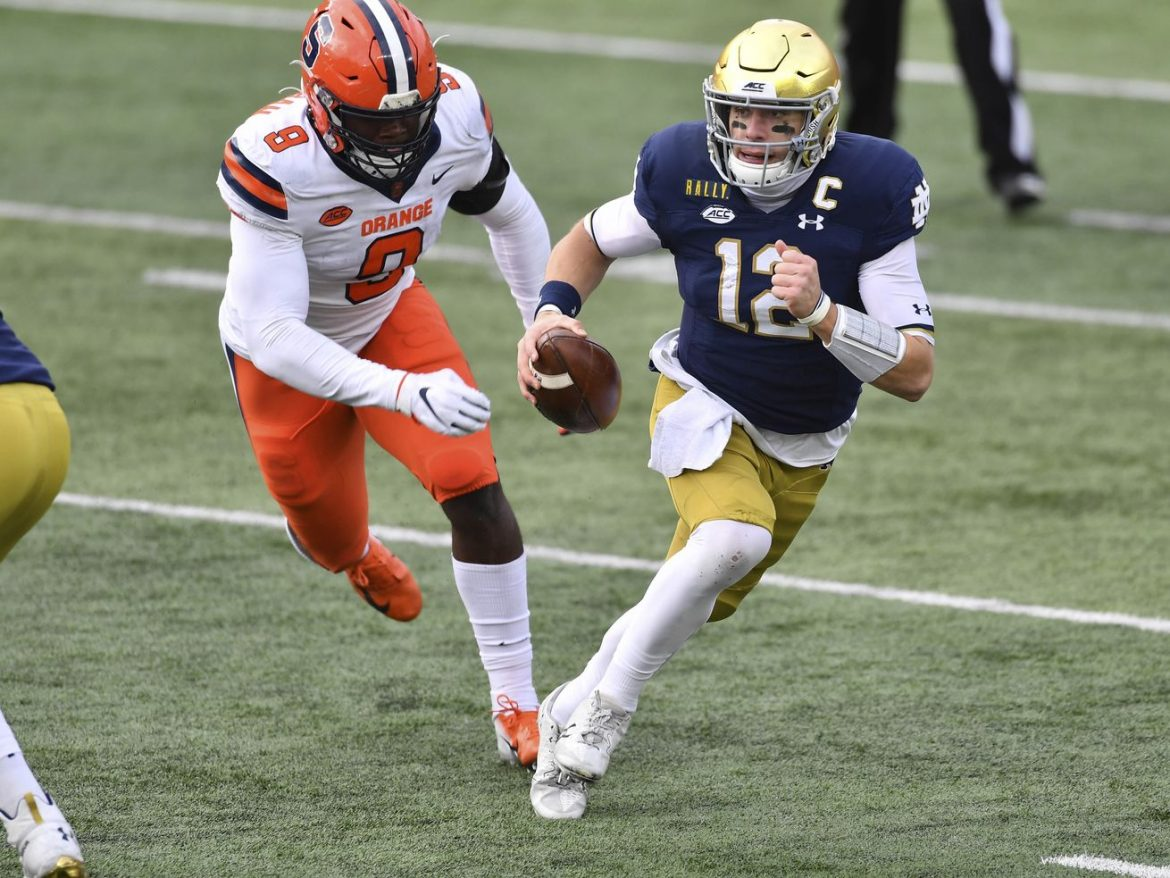 Ian Book leads No. 2 Notre Dame past Syracuse in home finale