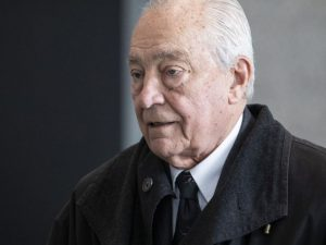 Ex-Ald. Edward Vrdolyak sentenced to 18 months in prison in tax case