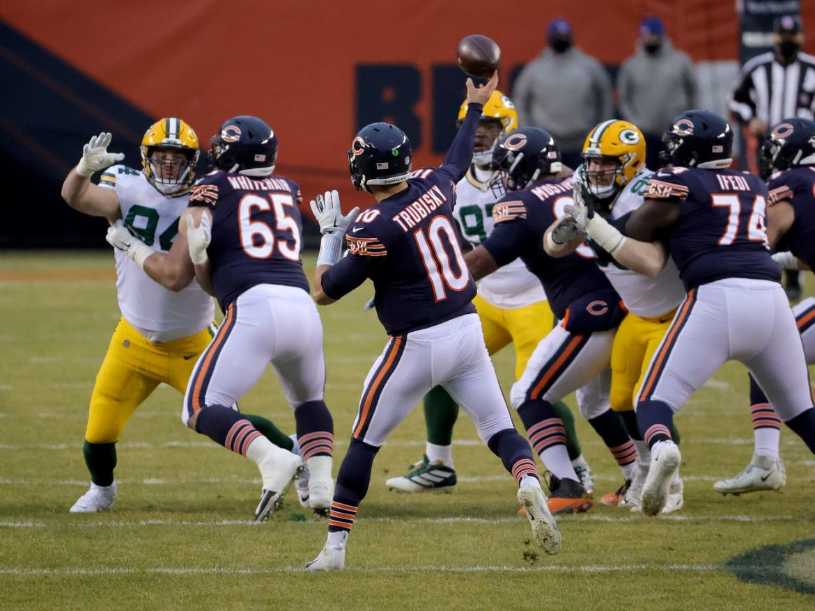 Bears lose to Packers but back their way into playoffs