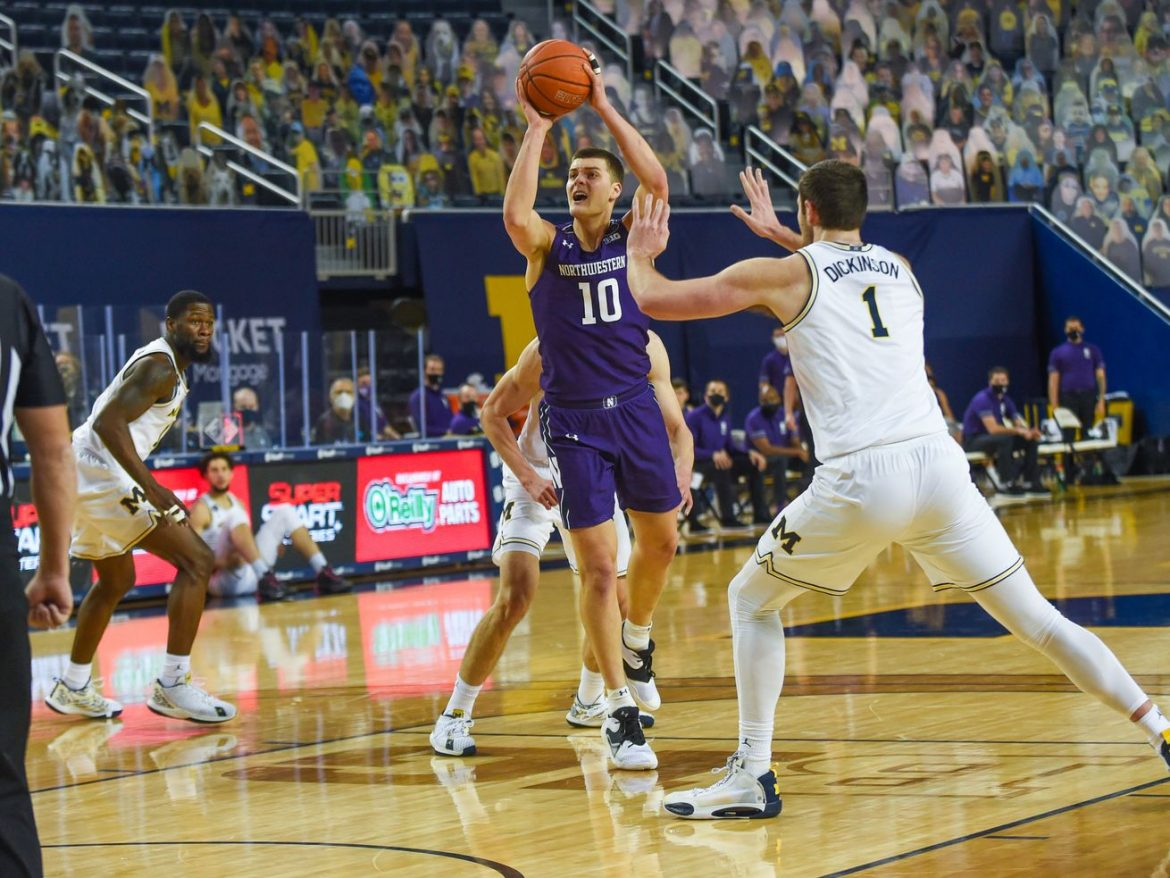 No. 19 Wildcats fall to the unbeaten Wolverines