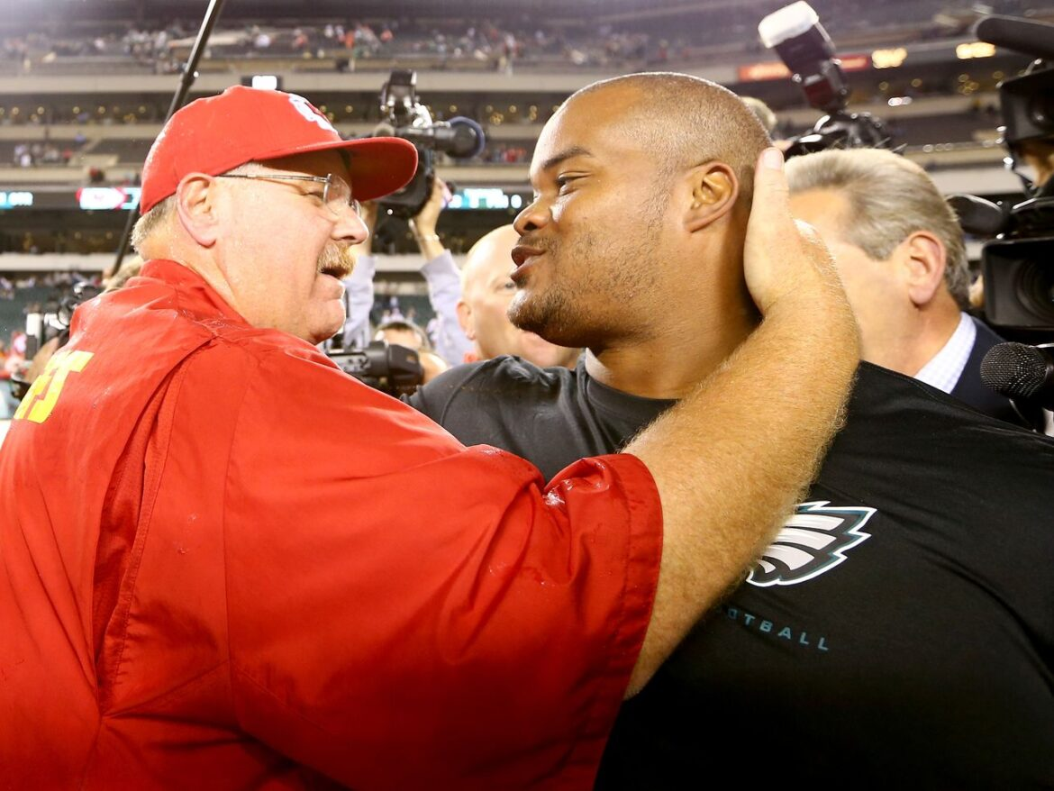 Duce Staley joining Lions