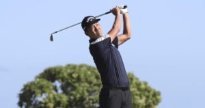 Kevin Na surges late to take victory at the Sony Open