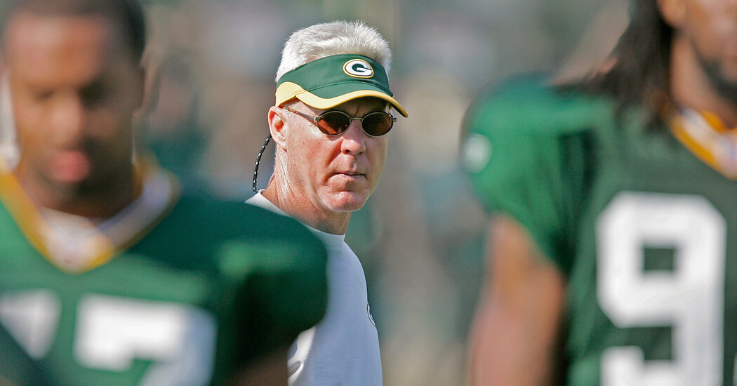 Ted Thompson, Who Helped Revive the Packers, Is Dead at 68