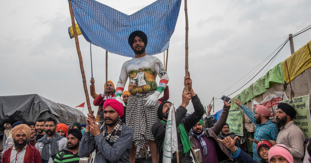 In the Cold and Rain, India's Farmers Press Their Stand Against Modi