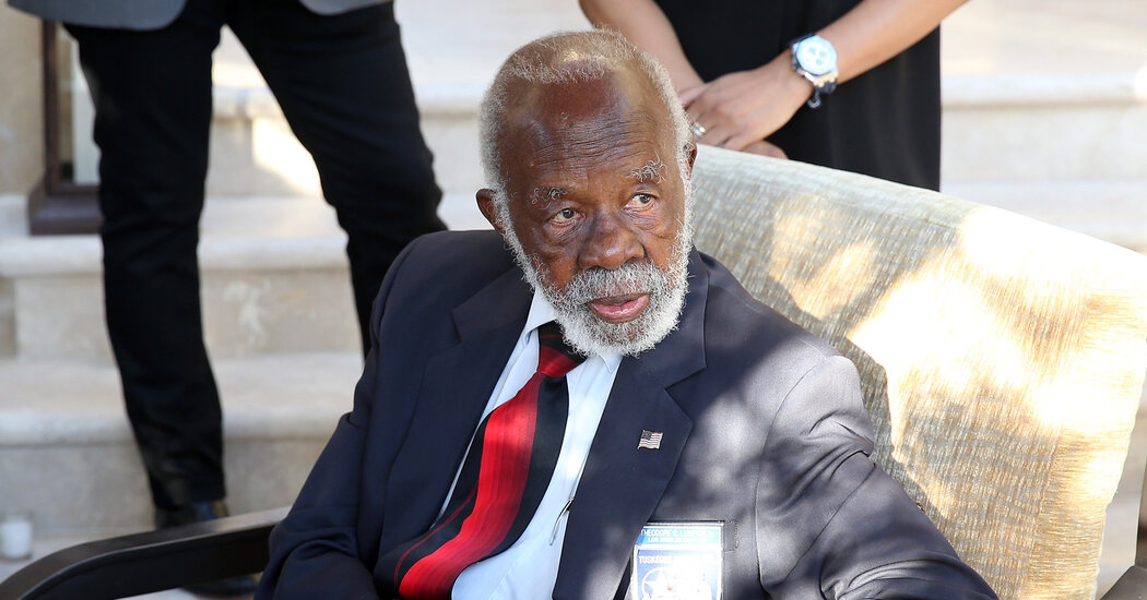 Ted Lumpkin Jr., a Tuskegee Airman, Dies at 100