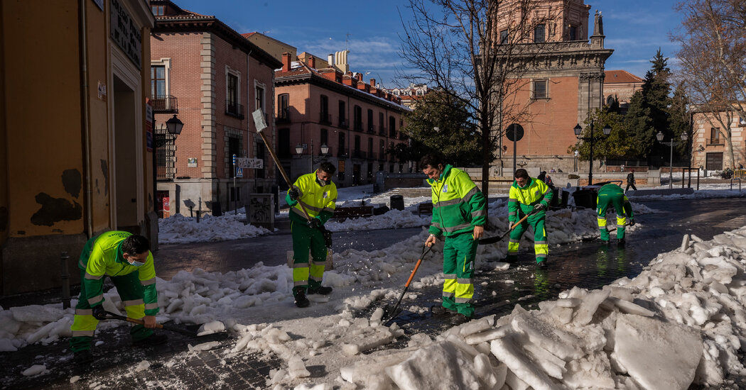 Madrid Mayor Says Snowstorm Caused Nearly $2 Billion in Damage
