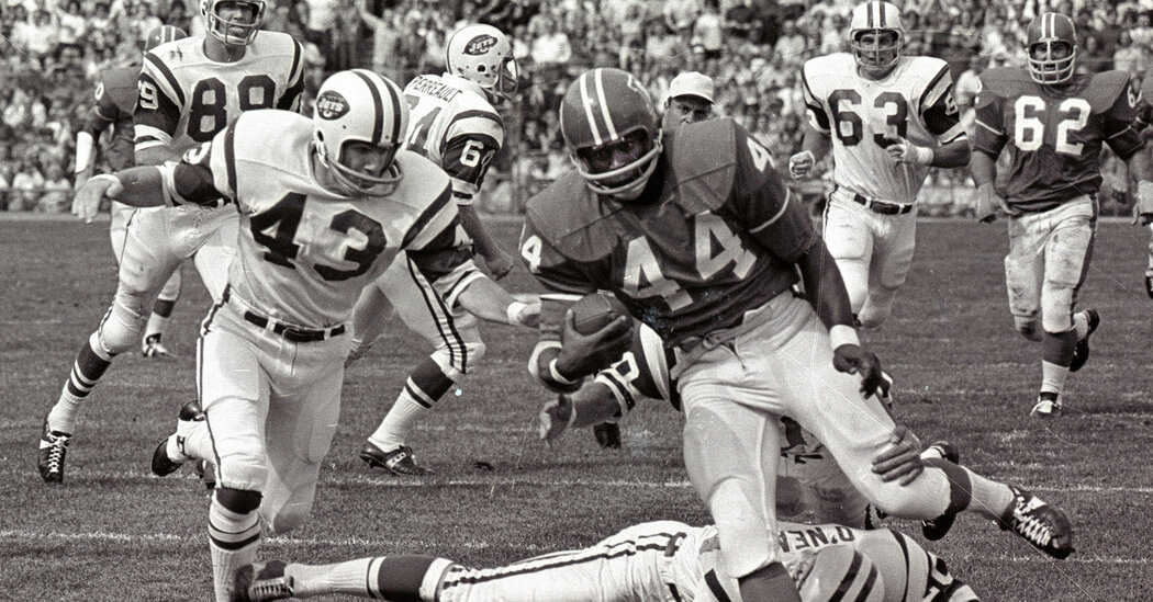 Floyd Little, Star Running Back for Syracuse and Broncos, Dies at 78