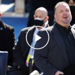 Garth Brooks Performs 'Amazing Grace' at Inauguration