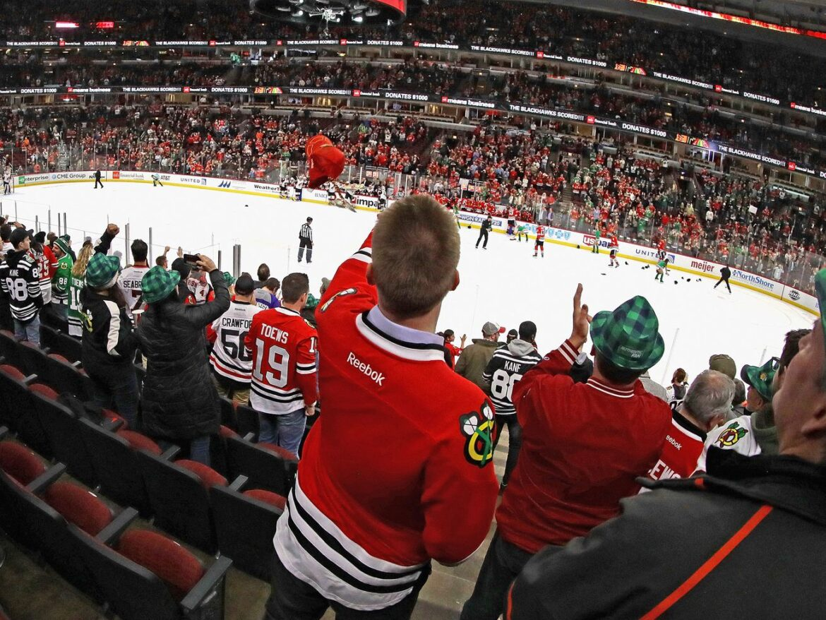 Blackhawks use 2021 season to plan future improvements for United Center fan experience