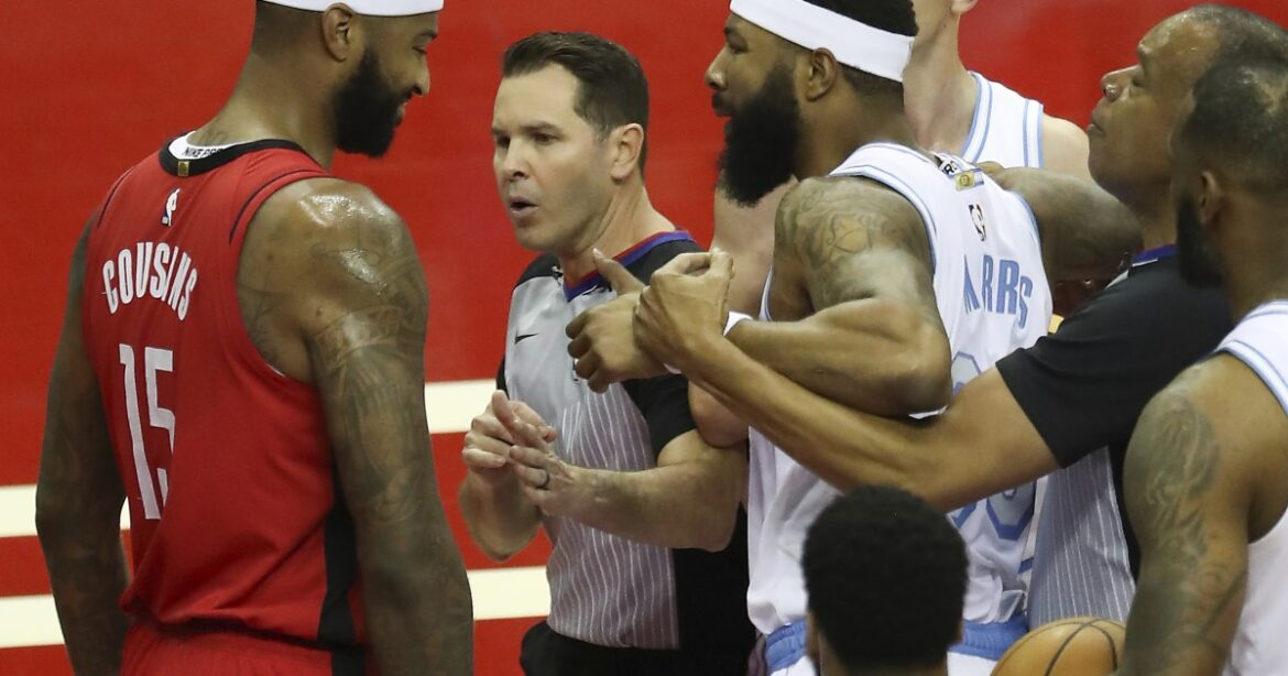 Lakers game begins with shoves and flagrant fouls, ends with a rout of the Rockets