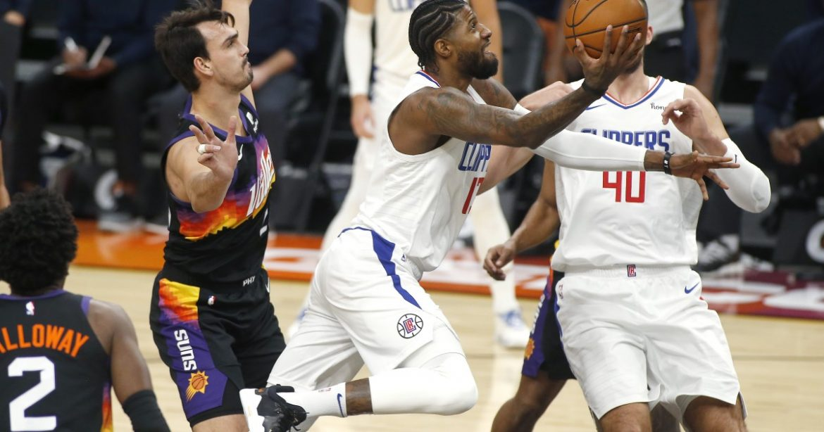 Clippers edge Suns after leading by 31 points in first half
