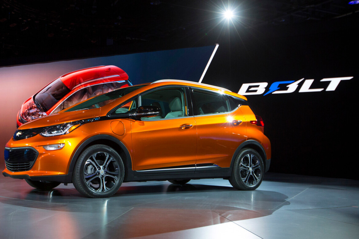 General Motors sets goal of going largely electric by 2035