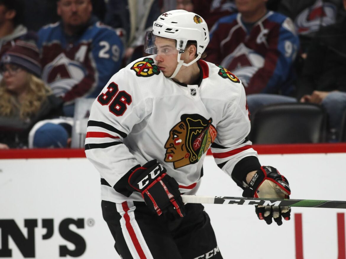 After 9 months away, Blackhawks return to United Center for fans-less scrimmage