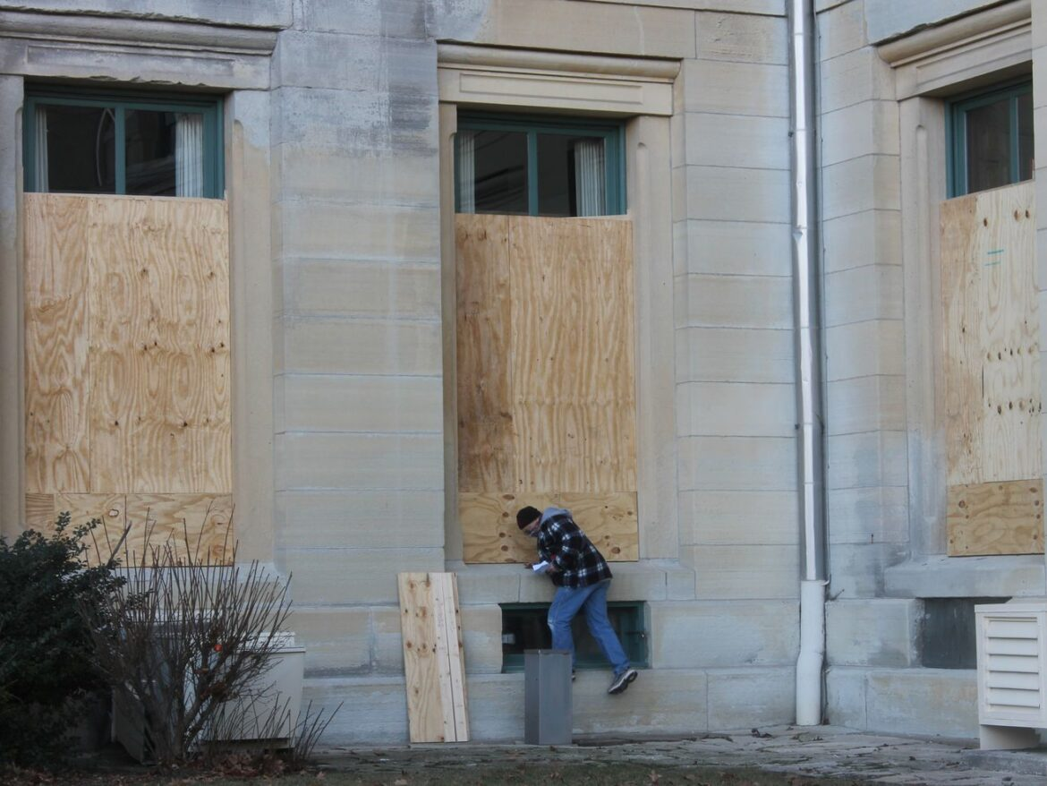 Plywood down, National Guard leaves Capitol as protests fizzle — but Springfield still wary as coronavirus lingers