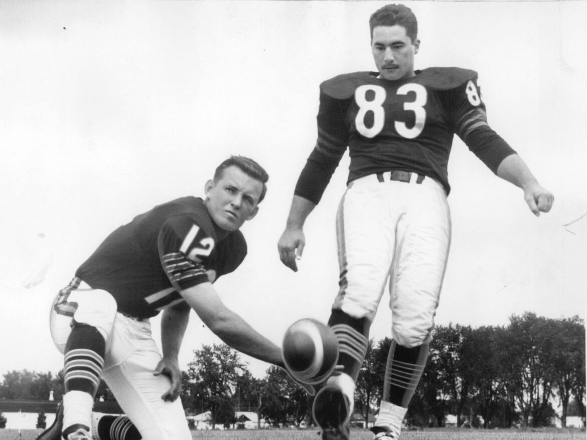 Roger LeClerc, who kicked on 1963 Bears title team, dies
