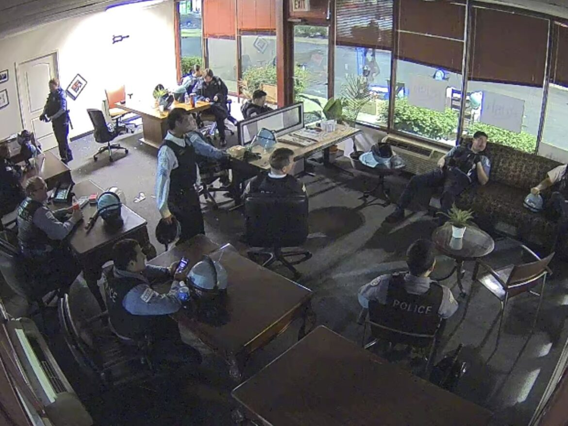 Union: CPD suspended 17 officers, supervisors who lounged in congressman's burglarized office