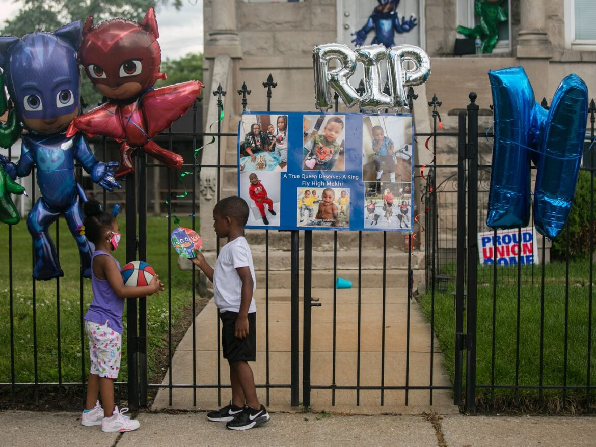 Chicago's not-so-random gang violence: Just 6% of gang 'factions' tied to most shootings studied