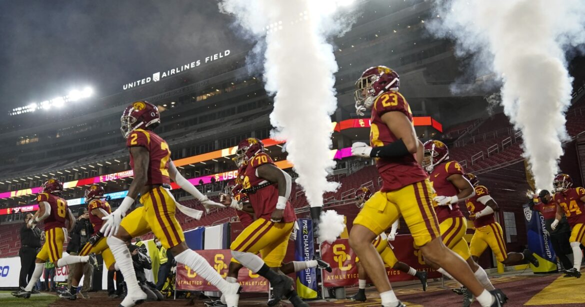 USC coach Clay Helton hires a key new piece of his staff away from Notre Dame