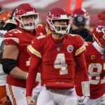Chad Henne replaces injured Patrick Mahomes to help Chiefs defeat Browns