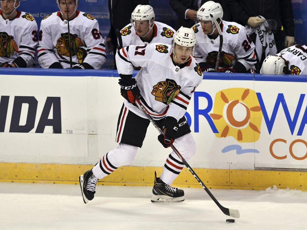Jonathan Toews, Kirby Dach's absences giving Dylan Strome chance to prove he belongs at center