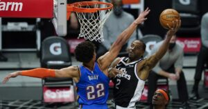 Kawhi Leonard closes win with Paul George on bench, Patrick Beverley in locker room