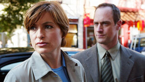 Law & Order: SVU'Mariska Hargitay & Christopher Meloni Reunite In 1st Photos On-Set Of New Show