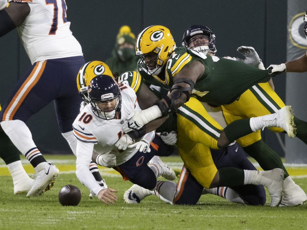 7 big questions heading into a jobs-on-the-line offseason for the Bears