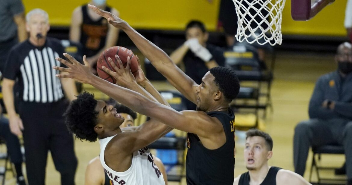 Freshman Evan Mobley powers USC to basketball victory at Arizona State