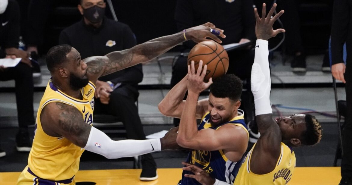 Lakers' two stars have off nights in loss, but Steve Kerr still likes what he sees
