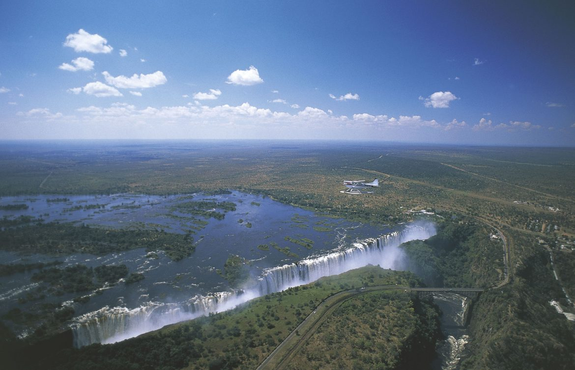 Haunting photo shows man moments before plunging 350 feet to his death in Zimbabwe