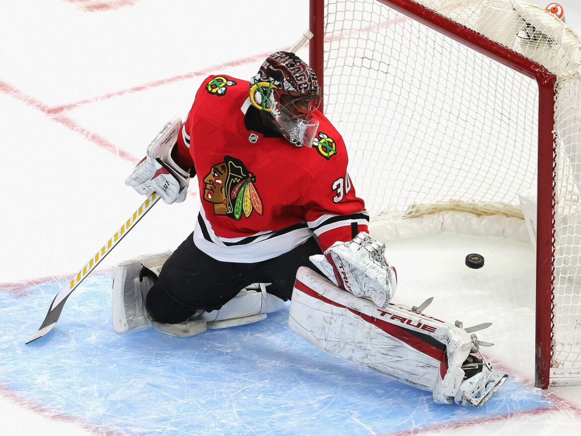 Blackhawks lose to Red Wings as Jonathan Bernier bests Malcolm Subban